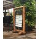 Porte menu totem en bois recto verso